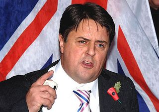 Nick-Griffin-wearing-a-poppy