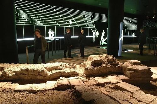 500x0_londons-roman-amphitheatre