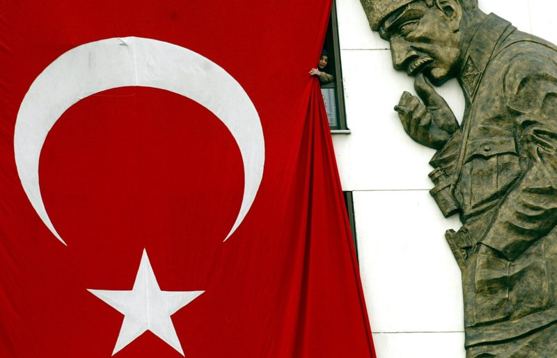 it simply succeeded in explaining the decline of the Ottoman Empire.
